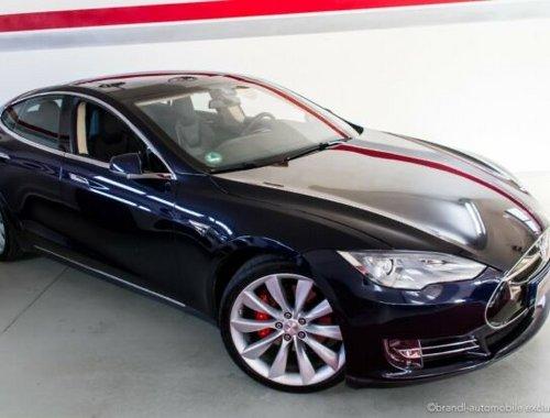 Tesla Model S P85D /700PS